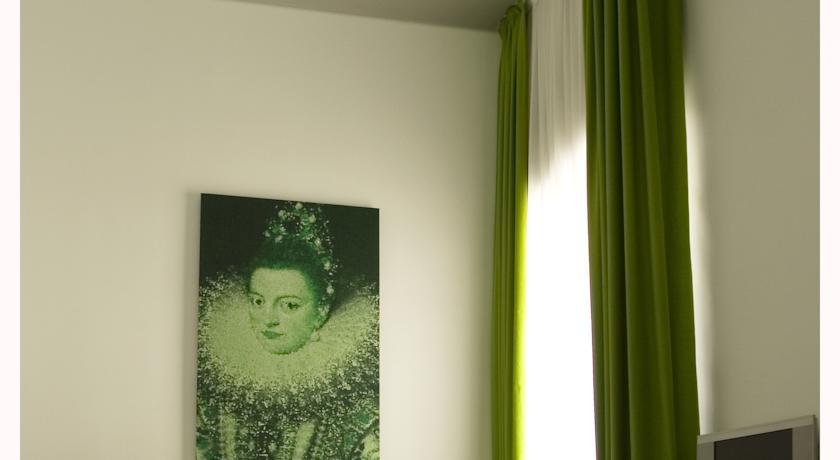 Room Mate Laura hoteles con encanto en Madrid